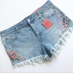Mossimo Embroidered Raw Edge Hi rise jean shorts
